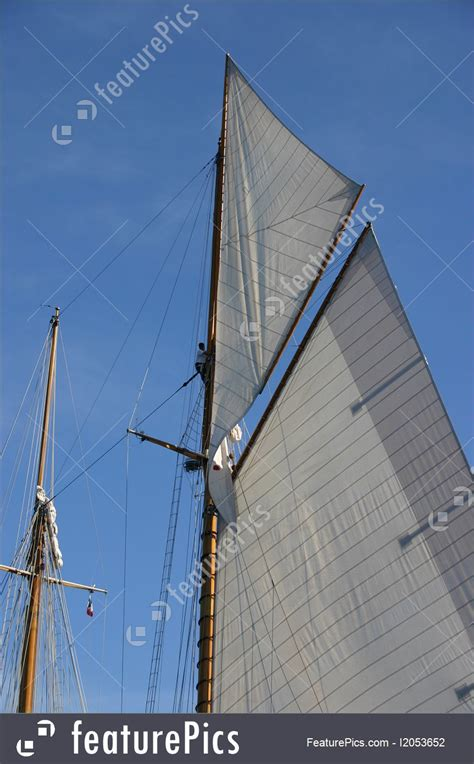 boat mast pictures sailing mast picture