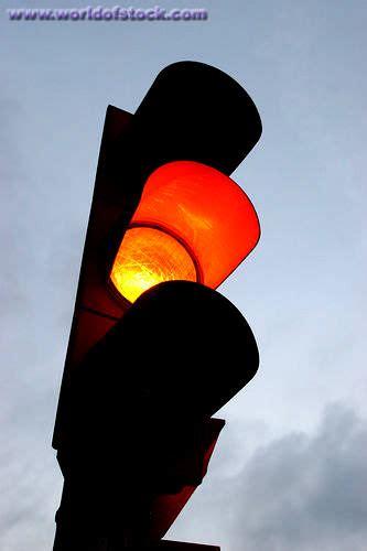 akibat meremehkan rambu lampu  lintas warna kuning