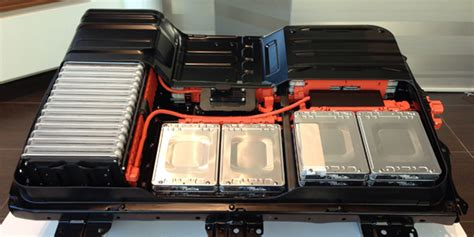 nissan leaf replacement battery charged evs nissan announces price for replacement leaf
