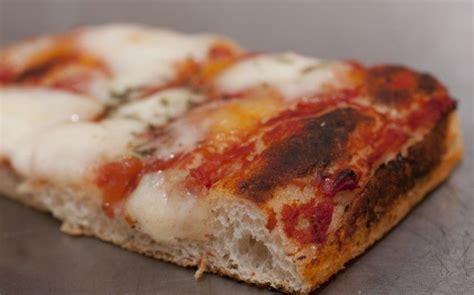 pizza soffice fatta in casa pizza veloce fatta in casa ricetta agrodolce