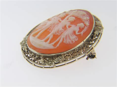 antique shell cameo estate pin pendant with detail in