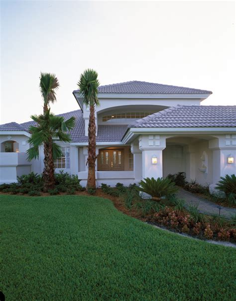 florida house designs wynehaven luxury florida home plan 048d 0004 house plans