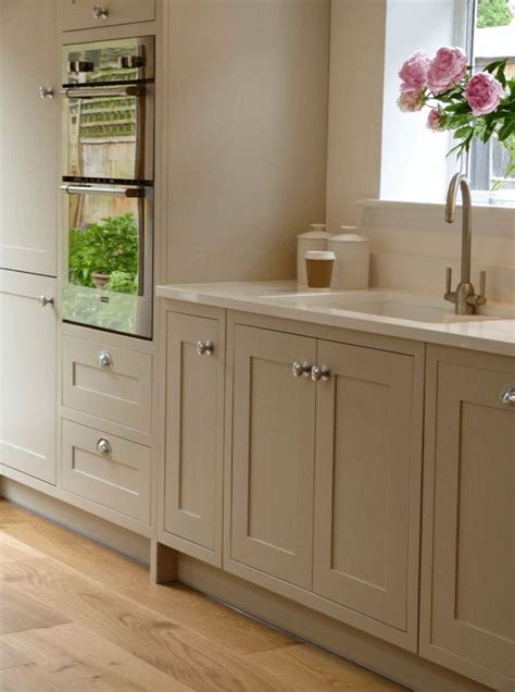 modern country kitchen with oak cabinets 1000 images about interieur on villas wands