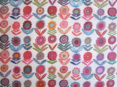 cutting fabric for curtains cut flowers bl white 68cms medium bright fabric for