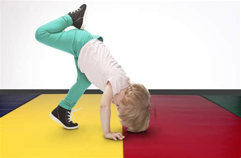 Tumble Mats For Toddlers by Junior Folding Mat Portable Tumbling Mat For
