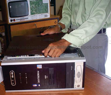 Meja Komputer Lengkap gambar blognyah alqoernia meja kerjaku yahh beginilah