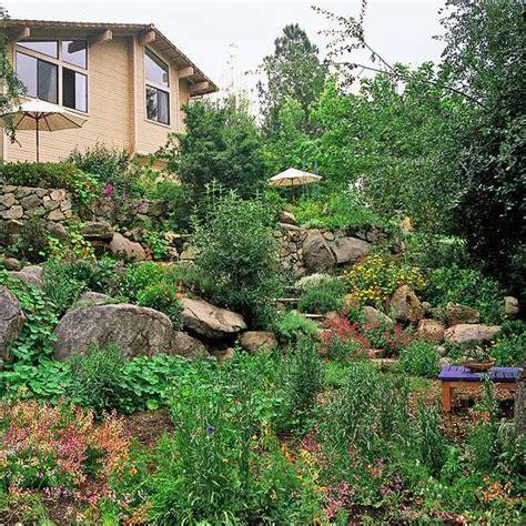 gartengestaltung hanglage 10 hillside landscaping tips ideas 1001 gardens