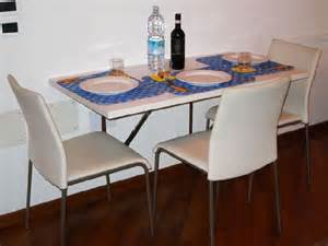 Kitchen Tables For Small Spaces by Dining Tables For Small Spaces