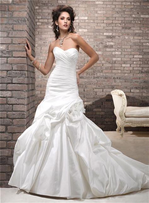 simple   sweetheart corset  taffeta wedding dress