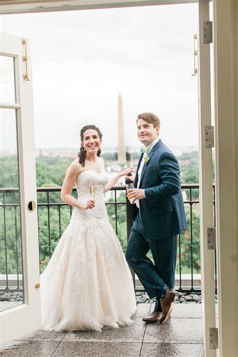 Real Dc Weddings Dc Nearlyweds by Heartfelt Summer Dc Wedding Ceremony And Reception At The