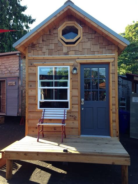 renting a tiny house rent the 170 sq ft quot kangablue quot at this tiny house hotel
