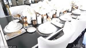 lovely Khloe Kardashian Dining Room #2: 2F25A5B500000578-3349886-image-a-39_1449516445958.jpg