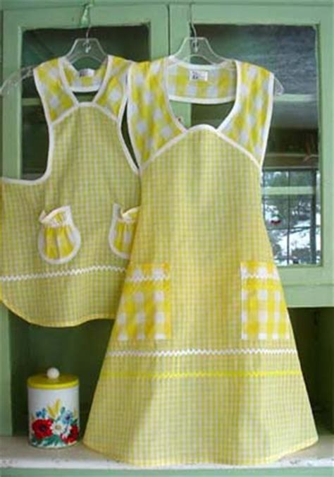 free pattern smock apron this and that in my treasure box things i want to make