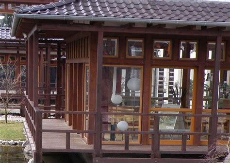 veranda fenster japanischer garten veranda am haus verglaste veranda