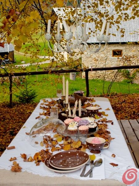 tavola autunnale la tavola romantica nei toni dell autunno casa e trend