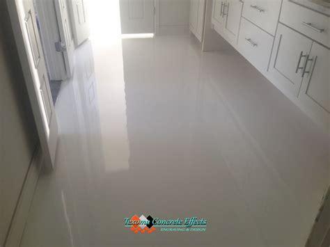 White Epoxy Floor, bathroom by Texoma Concrete Effects
