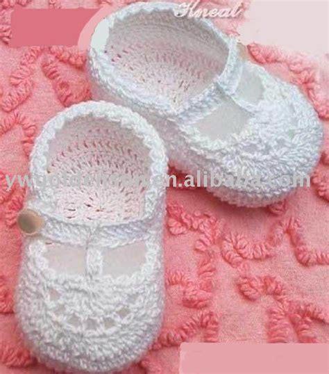 modelos de zapatitos tejidos de lana 17 best images about crochet bebe en pinterest ganchillo