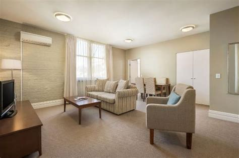 2 bedroom apartments launceston two bedroom apartment lounge picture of quest launceston