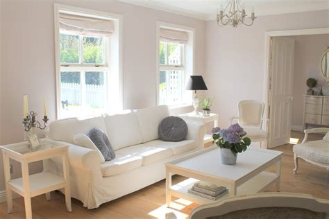 Living Rooms With White Sofas Transitional Living Room With White Sofa Decosee