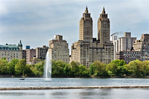 File:NYC   San Remo Apartments   Wikimedia Commons