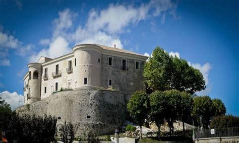 castelli in tavola gesualdo domenica la tavola rotonda sui castelli d