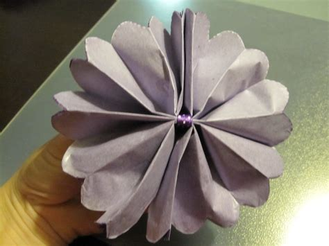 How To Make Flowers Out Of Tissue Paper - cassadiva how to make tissue paper flowers