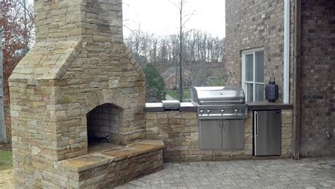 Outdoor Stacked Fireplace With Hearth Fireplaces Outdoor Fireplaces Custom Hardscapes Llc