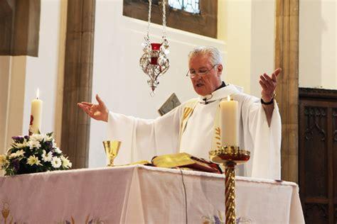 catholic priest for wedding wedding photography birmingham selly park catholic church