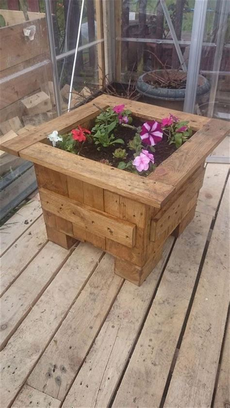 Planter Boxes Made From Pallets by 17 Best Ideas About Pallet Flower Box On