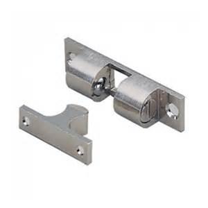 heavy duty 4 way door catch with adjustable loaded