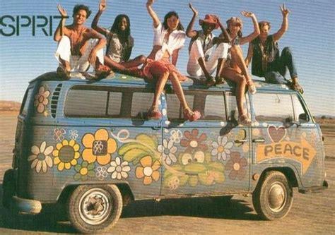 furgone figli dei fiori la volkswagen manda in pensione il 194 171 pulmino degli hippie 194