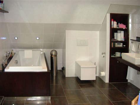 schöne geflieste badezimmer dunkel badezimmer design