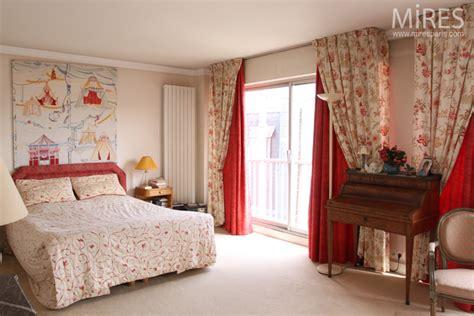 chambre romantique rouge et blanche c0589 mires paris