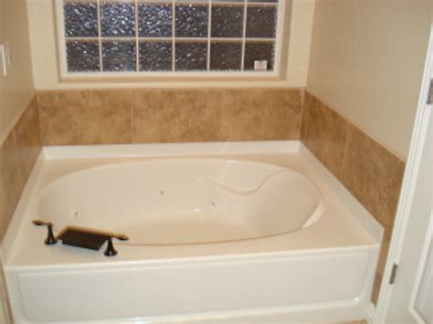 Fiberglass More Bathtub Garden Anewscafecom Garden Garden Tub Decor Ideas