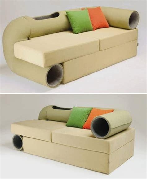 pet friendly couch упрощаем поощряем питомцев девайсами