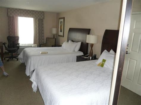 hotels in waterloo iowa with tub in room tub in suite picture of garden inn ames ames tripadvisor