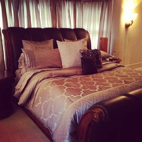 romance in bedroom in hollywood 1000 ideas about old hollywood bedroom on pinterest