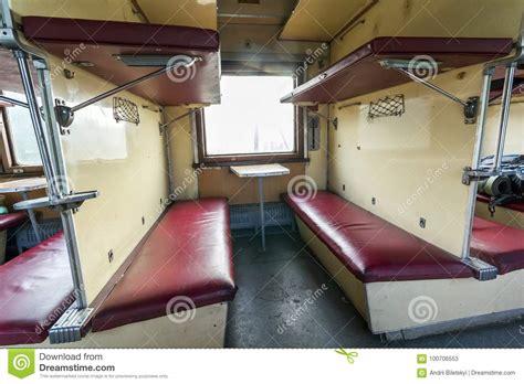 vagone letto interno d annata treno con i sedili vagone letto