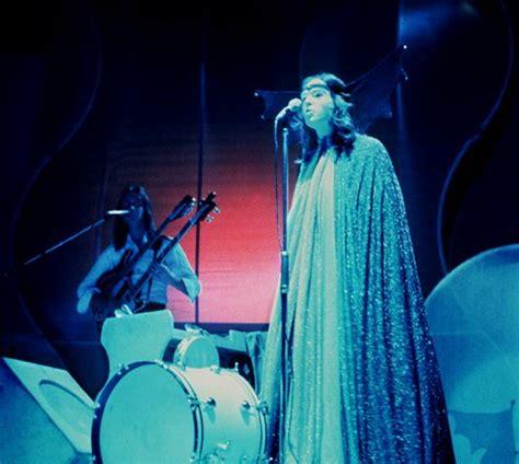 gabriel genesis songs genesis in pictures 1970 1975 udiscover