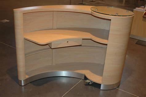 mobilier table meuble caisse pour magasin