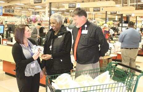 food city north makes gift card donation to tcp the cleveland daily banner - Places That Donate Gift Cards