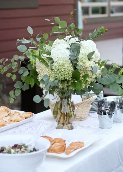 Wedding Day Flowers by Vw Garden Wedding Flowers In Shades Of White