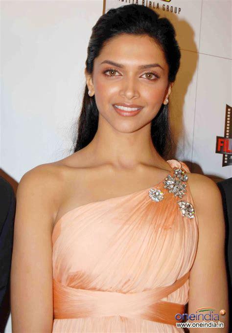 actor priyanka chopra bio data bollywood celebrities deepika padukone biodata