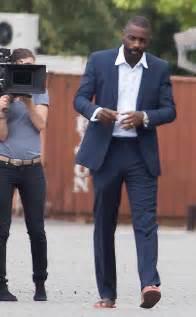 imagenes de hombres en boxer con pollas xxl idris elba bulge mystery solved actor responds after