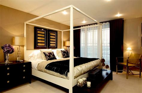 Black White Gold Bedroom Ideas by 15 Refined Decorating Ideas In Glittering Black And Gold