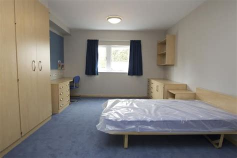 Basing Rooms by Officers Enjoy New Accommodation At Hshire Air Base