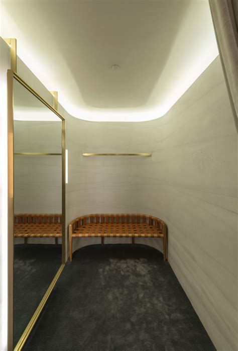 Fitting Room Partitions by 155 Best Images About Fitting Rooms On