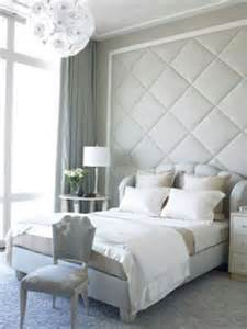 Galerry design for small guest room