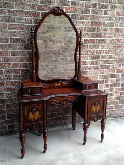 Antique Desk With Mirror by Best 25 Antique Makeup Vanities Ideas On