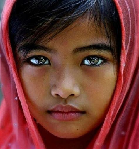great portraits with no direct eye contact portrait 101 com 12 photos of children with the world s most stunning eyes